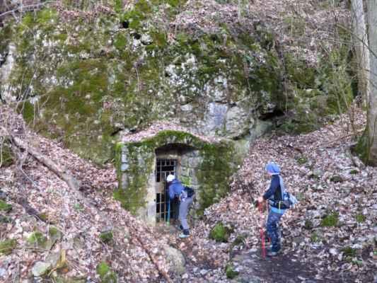 jeskyně a jeskyňky :-)