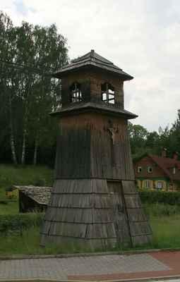 ...Mařenice - obnovená zvonička...