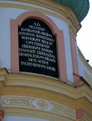 ...založený r. 1234 českou královnou Kunhutou Štaufskou a králem Václavem I. ...