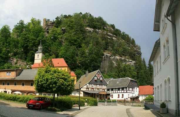 ...města a hradu založeného Karlem IV. ...