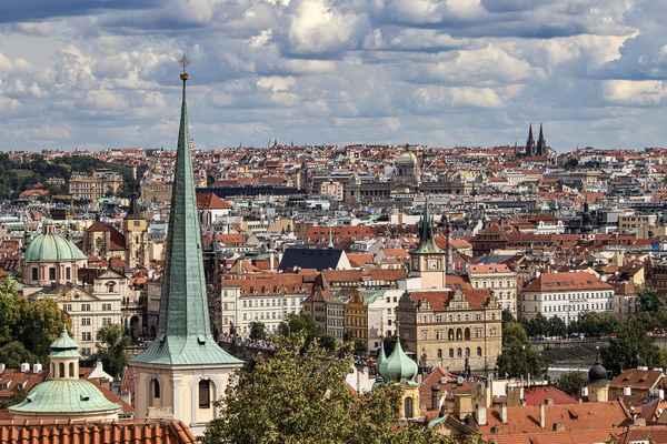 Jižní zahrady Pražského hradu - vyhlídka na Prahu.