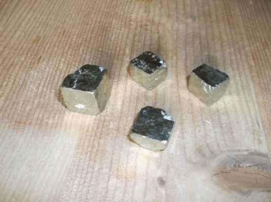 Pyrit (též železný pyrit, či kyz železný, chemicky disulfid železnatý) je velmi hojný minerál a důležitá železná ruda. Obvykle má zlatavou barvu, pro kterou bývá někdy neznalými zaměňován se zlatem, proto se mu taky někdy říká zlato hlupáků či kočičí zlato. Často se ale může objevovat se zelenalým nádechem, nebo kovově modrými, červenými a zelenými povlaky, které se odborně nazývají náběhové barvy. Je to nejrozšířenější sulfid (sirník) v zemské kůře vůbec. Název pyrit pochází z řečtiny a je odvozen od slova oheň, protože po úderu z něj často odlétají jiskry.