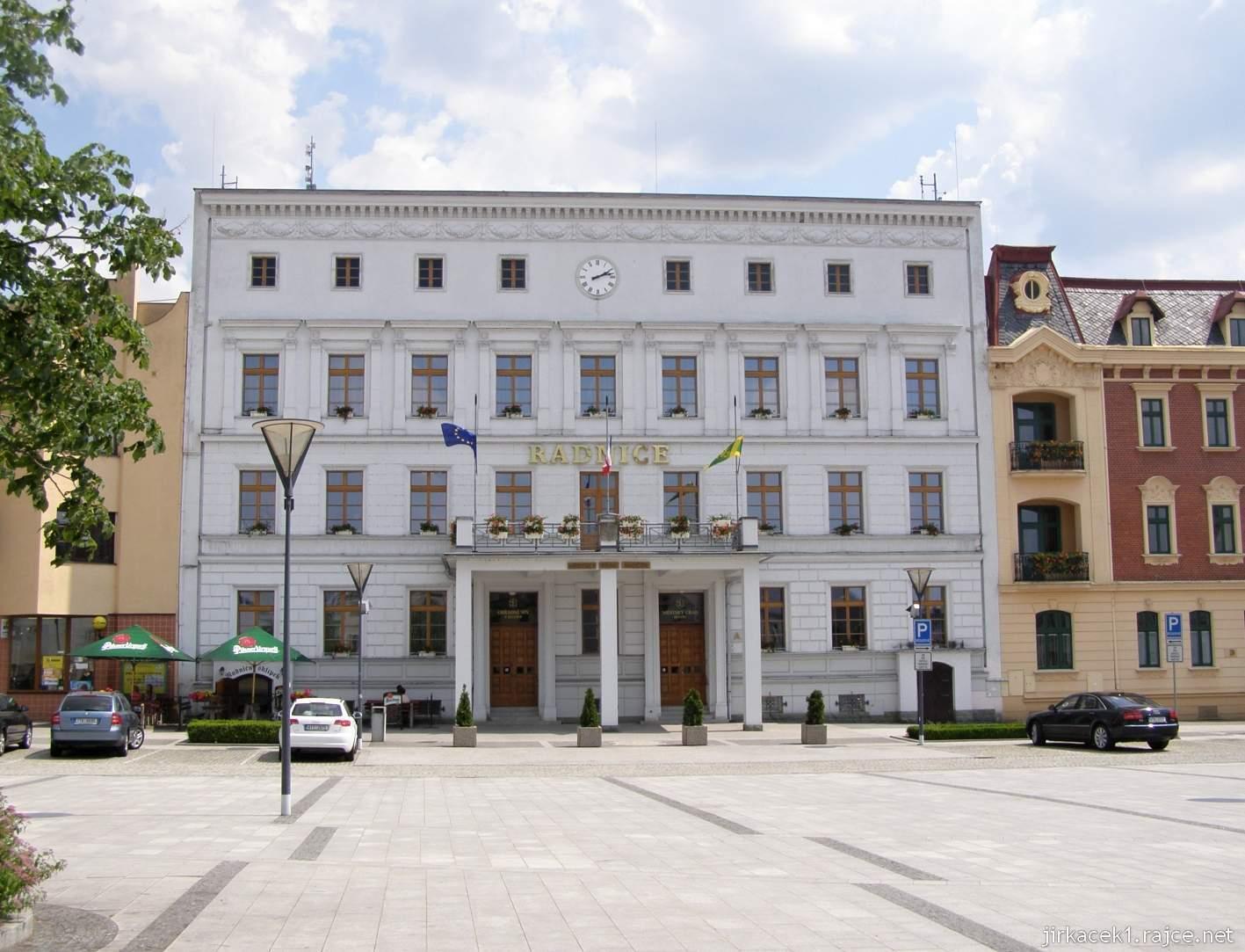 Hlučín - Mírové náměstí 12 - radnice