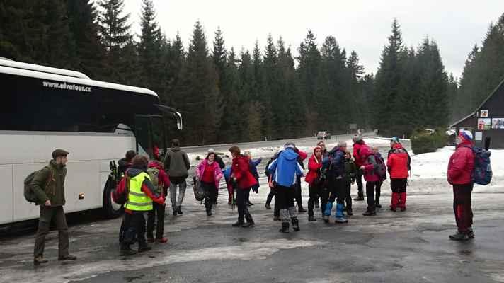 Na Skřítku - V sobotu ráno jsme řijeli na Skřítek autobusem, odkud jsme se vraceli zpět do Rýmařova.
