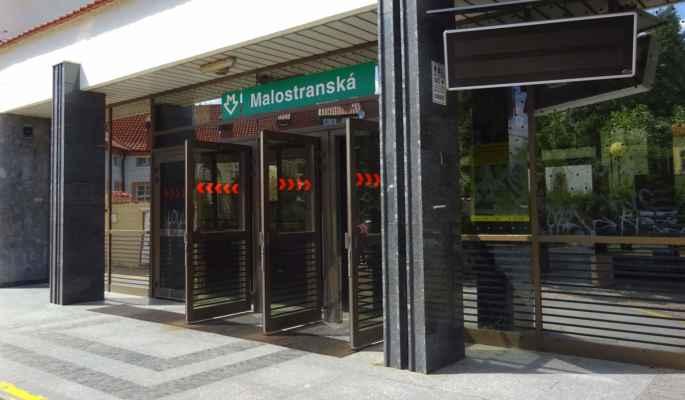 Klárov 6 - metro Malostranská