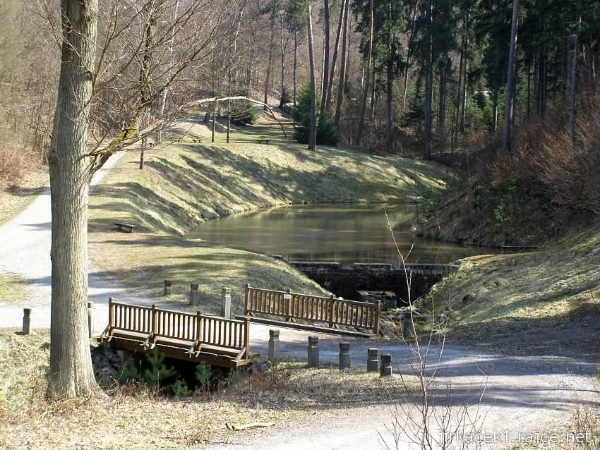 Bílovice nad Svitavou 7 - rybník pod Liduščiným památníkem 1