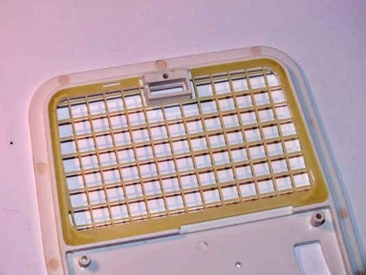 Materiál mříže je sklolaminát tl. 0,5mm. Světlo koupeno od firmy RC4x4-shop.