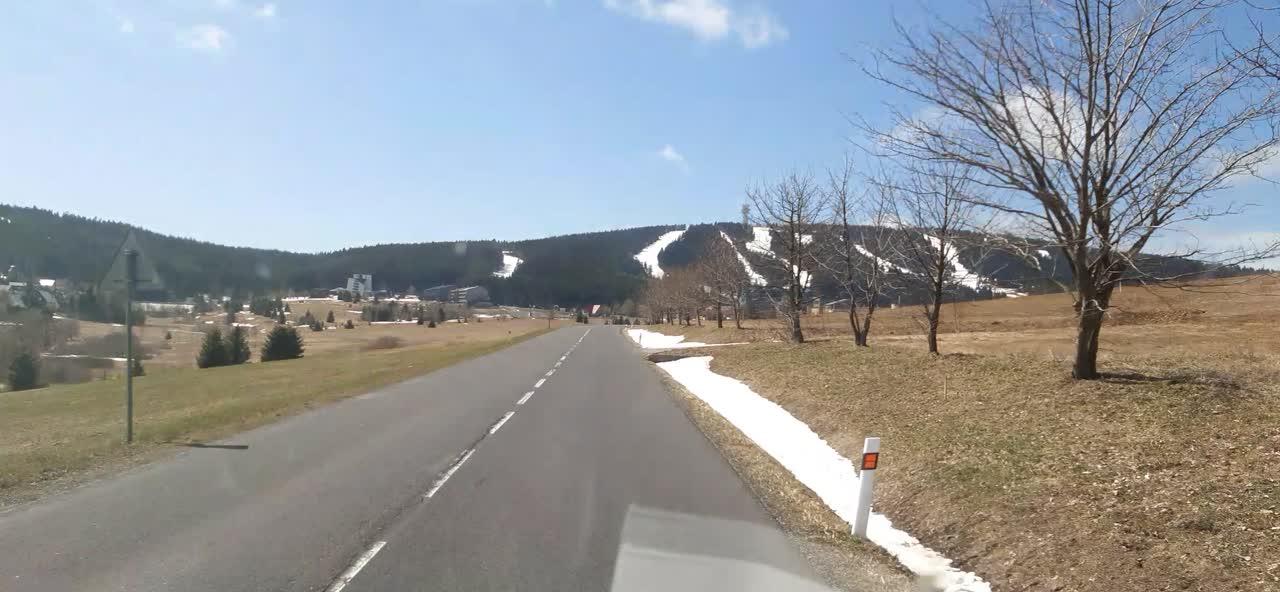 Krušné hory - U Loučné pod Klínovcem.Na Klínovci ještě v poklidu na lyže..