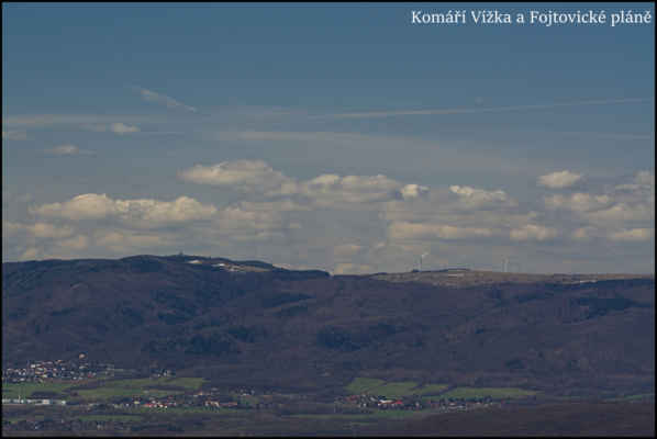 Středohoří - Sněhová pole v okolí Komárky a větrných Fojtovických pláních..