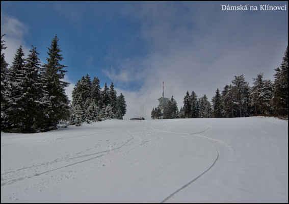 """Krušné hory - Sjezdovka """"Dámská"""" kousek pod vrcholem Klínovce,ještě se tu jezdí,na 7.května solidní.."""