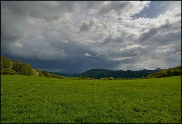 Středohoří - Odpolední bouřka na Litoměřicku pohledem z Vidrholce..