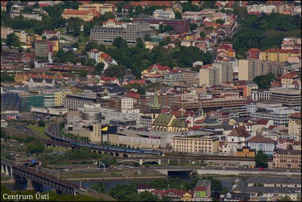 Středohoří - Centrum Ústí nad Labem ze skalní vyhlídky...
